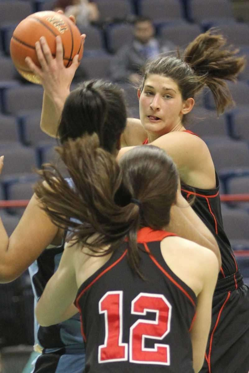 Long Island Lutheran's Yuni Sher looks to pass