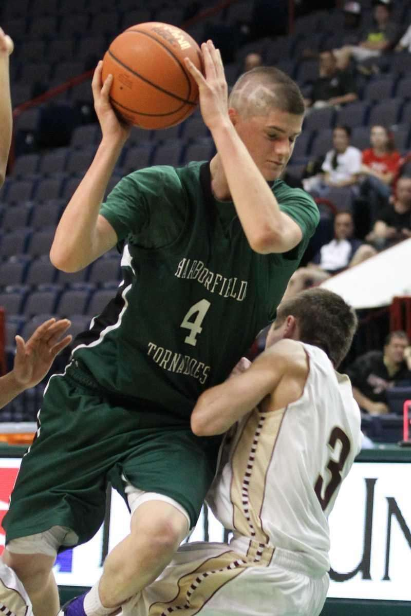 Harborfields' Justin Ringen gets called for the offensive