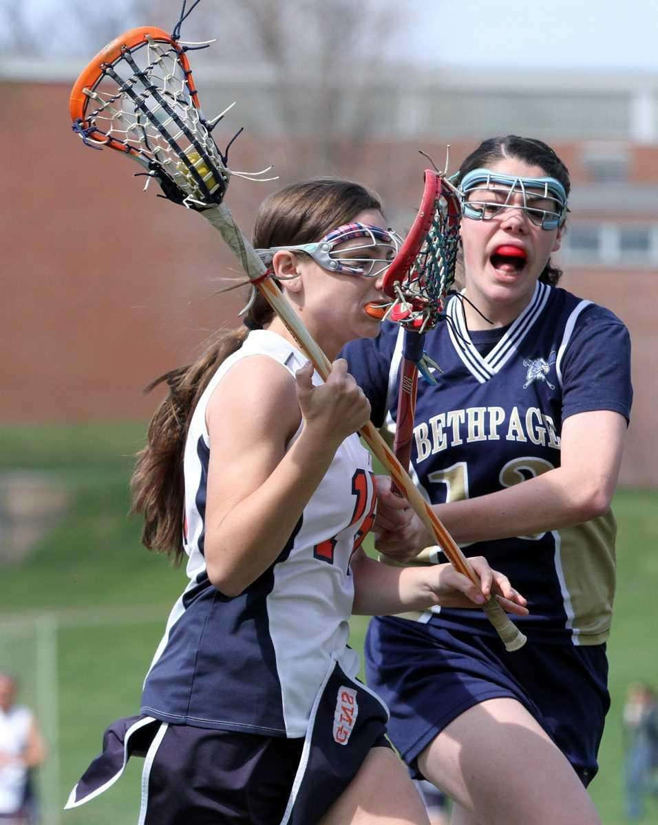 Bethpage's Nicole D'Angio cuts down angle on Great