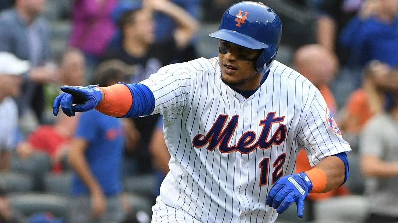 Mets club six HRs to back Stroman in sweep of D-Backs
