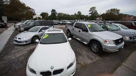 A view of cars parked on 344 Merrick