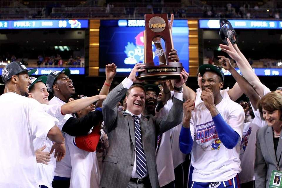 Head coach Bill Self (C) of the Kansas