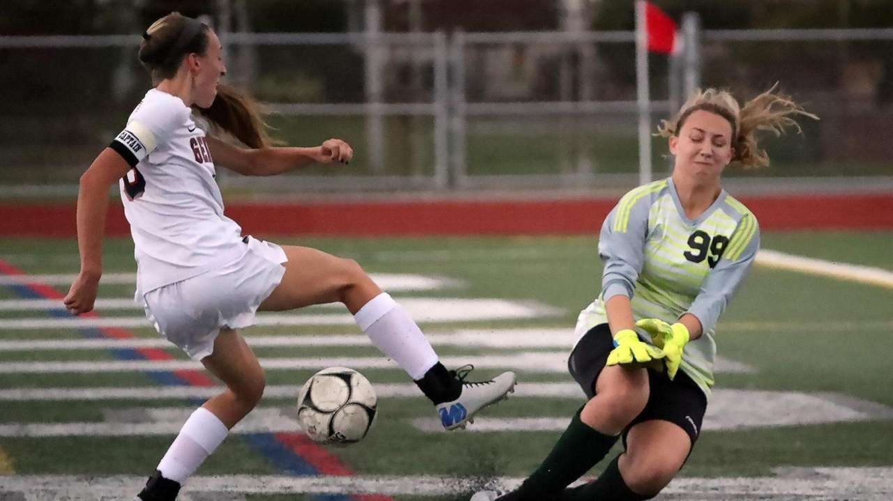 Senior midfielder Kara DeBlasio talks MacArthur's win over