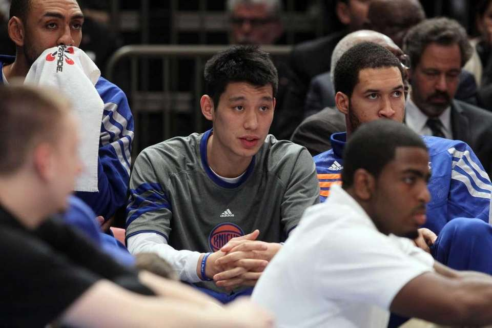 Injured Jeremy Lin #17 of the New York