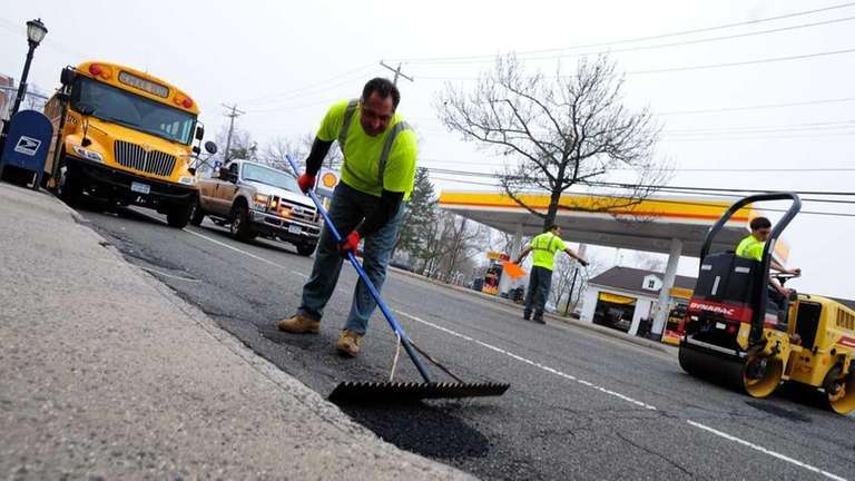 A Town of North Hempstead highway department crew
