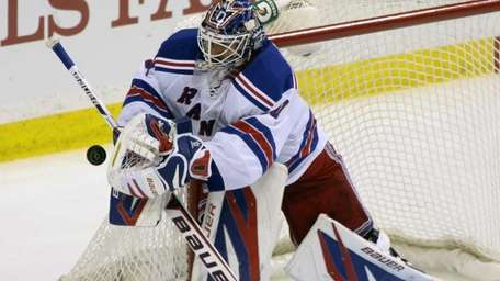 New York Rangers goalie Henrik Lundqvist (30), of