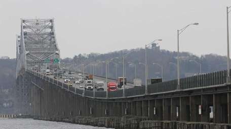 Traffic flows on the Tappan Zee Bridge from