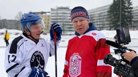 Slava Fetisov, right, and Finnish president Sauli Niinisto
