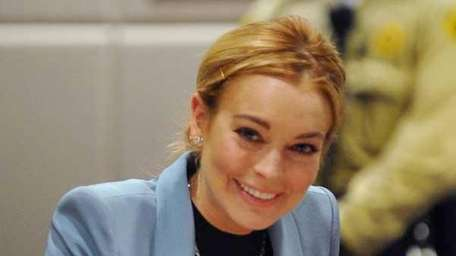 Lindsay Lohan attends her probation hearing in Los