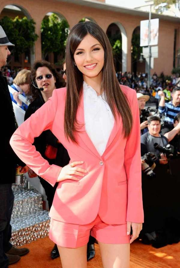 Actress Victoria Justice arrives at Nickelodeon's 25th annual