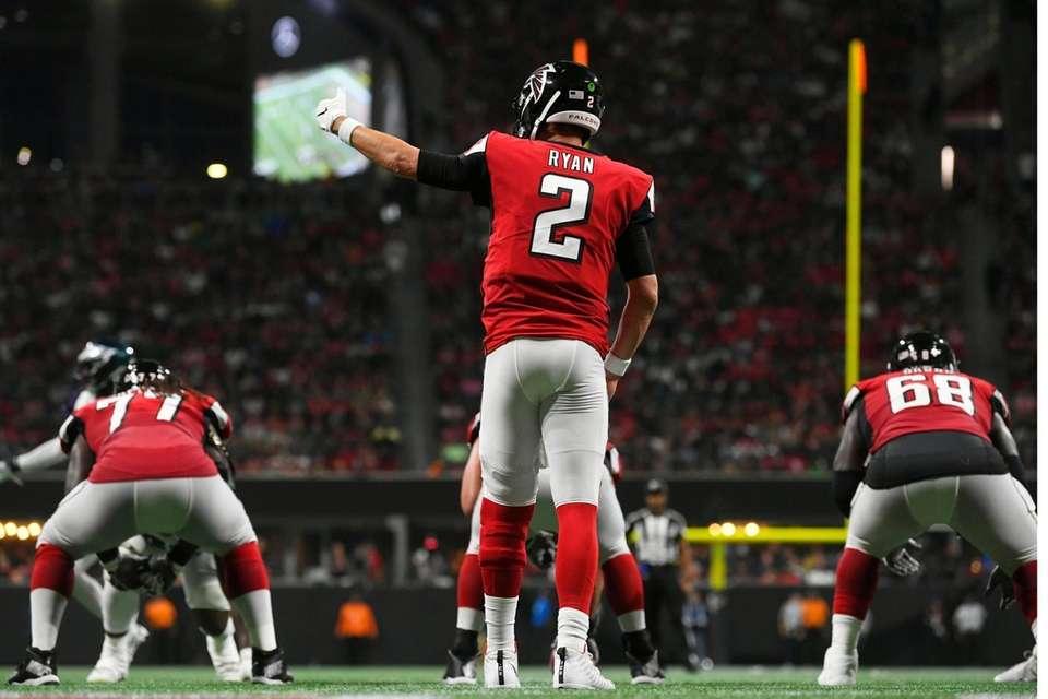 Atlanta Falcons quarterback Matt Ryan calls an audible