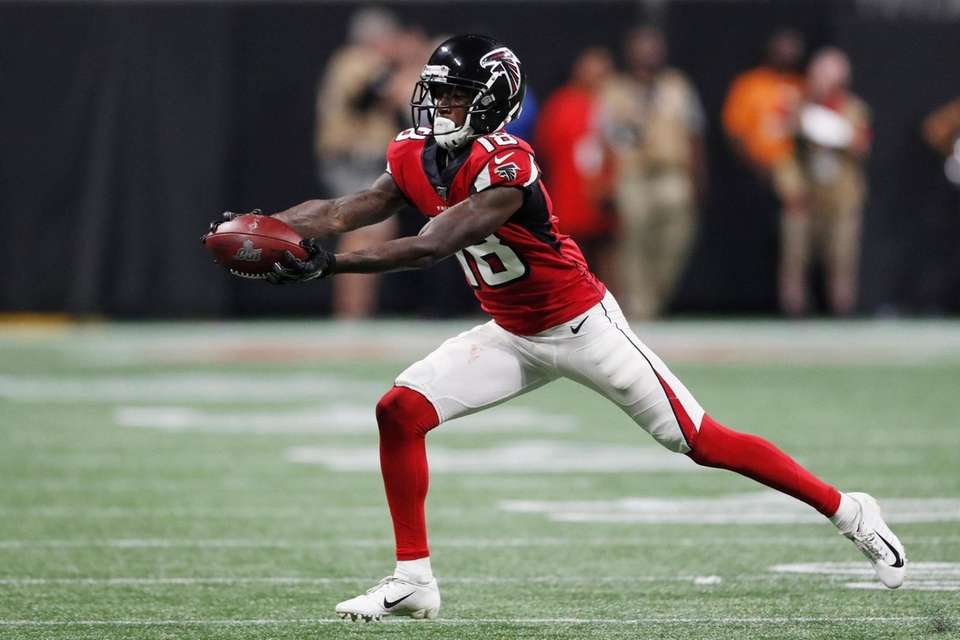 Atlanta Falcons wide receiver Calvin Ridley makes the