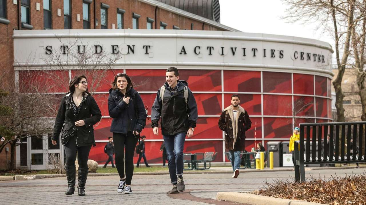 The best things to do near LI colleges