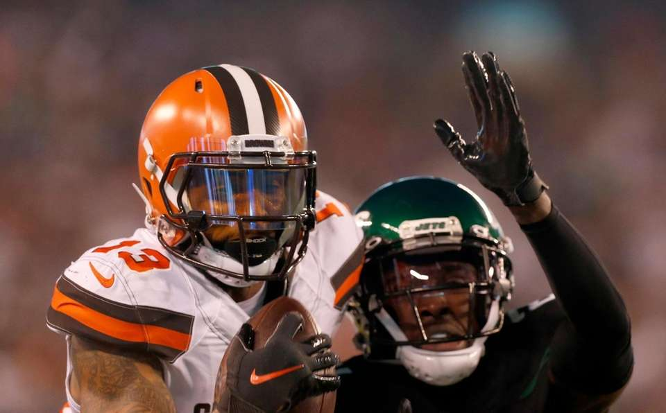 Odell Beckham #13 of the Cleveland Browns makes