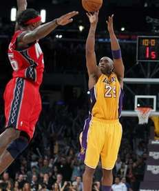 Los Angeles Lakers guard Kobe Bryant (24) shoots