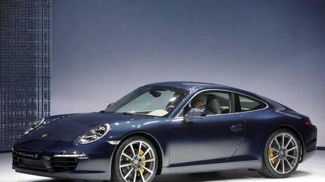 Prices for the Porsche 911 Carrera S start