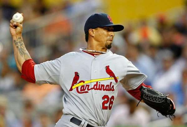 Kyle Lohse of the St. Louis Cardinals pitches