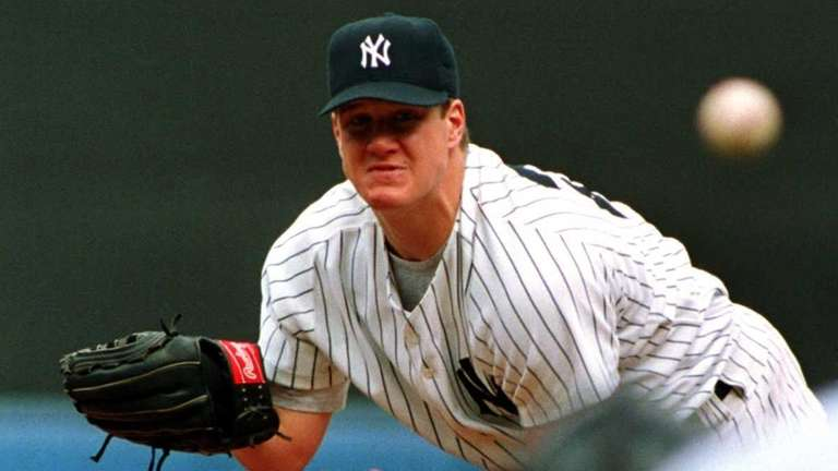 New York Yankees pitcher Jim Abbott throws a