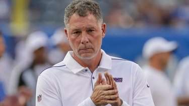 Giants head coach Pat Shurmur at MetLife Stadium.