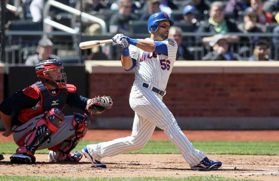 Andres Torres of the New York Mets bats