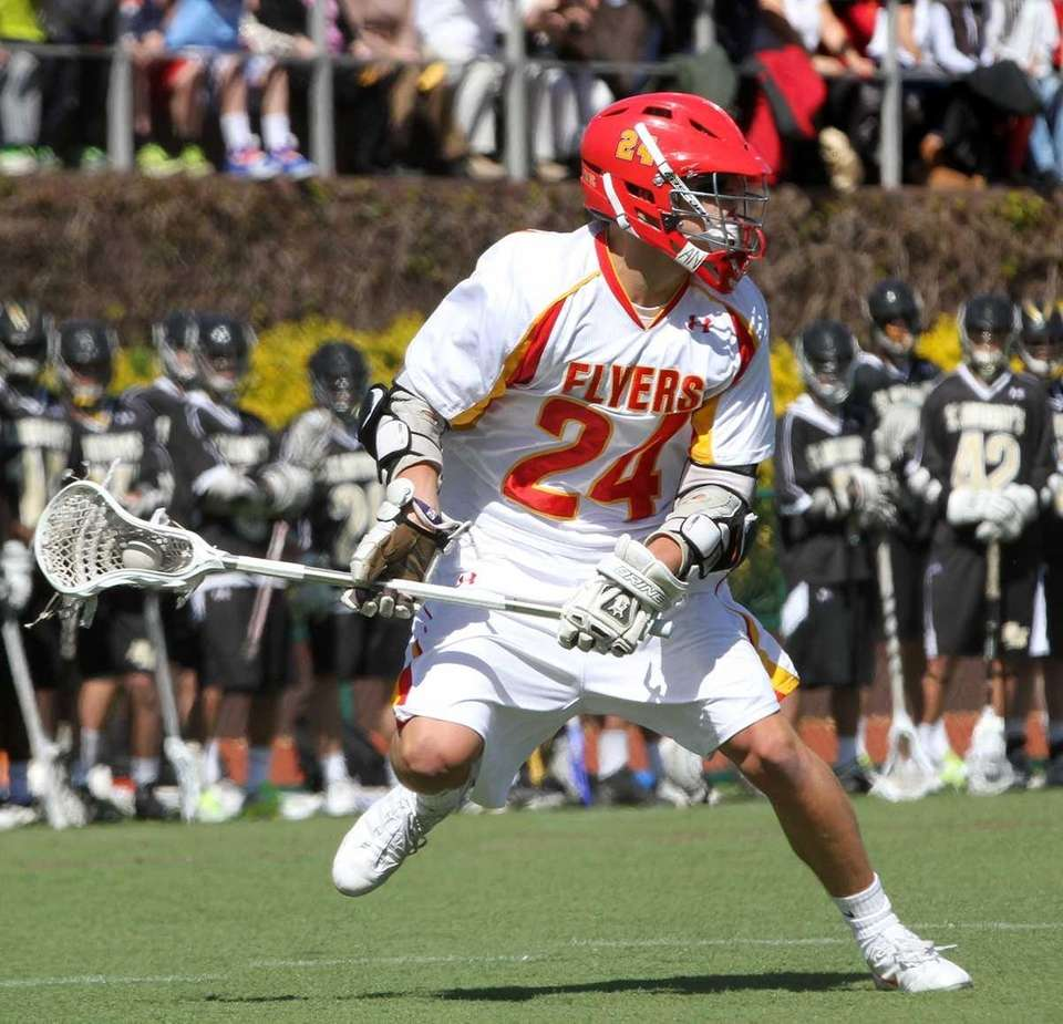 Chaminade's Ryan Lukacovic surveys the defense. (April 5,