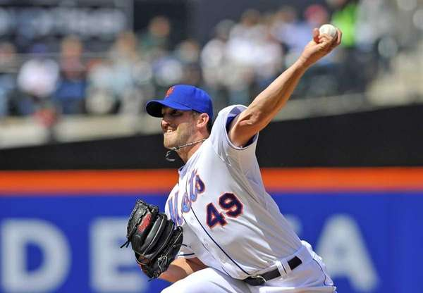 Mets starting pitcher Jonathan Niese against the Atlanta