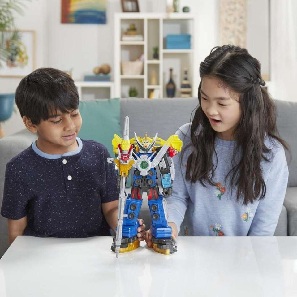 Kids can move the Ultrazord figure and it