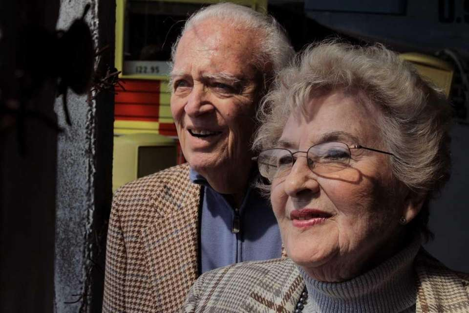 Levittown's Jack and Thea Rumstein, Holocaust survivors who