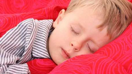 Help your toddler transition from two naps to