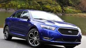 Ford's 2013 Taurus includes more high-tech features and