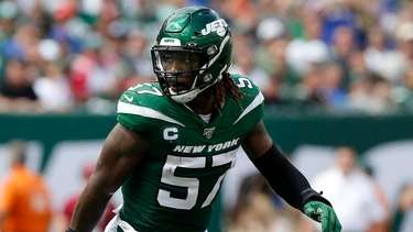 Jets linebacker C.J. Mosley defends against the Bills