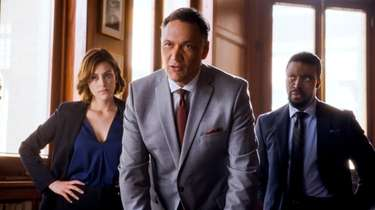 (l-r) Caitlin McGee as Sydney Strait, Jimmy Smits