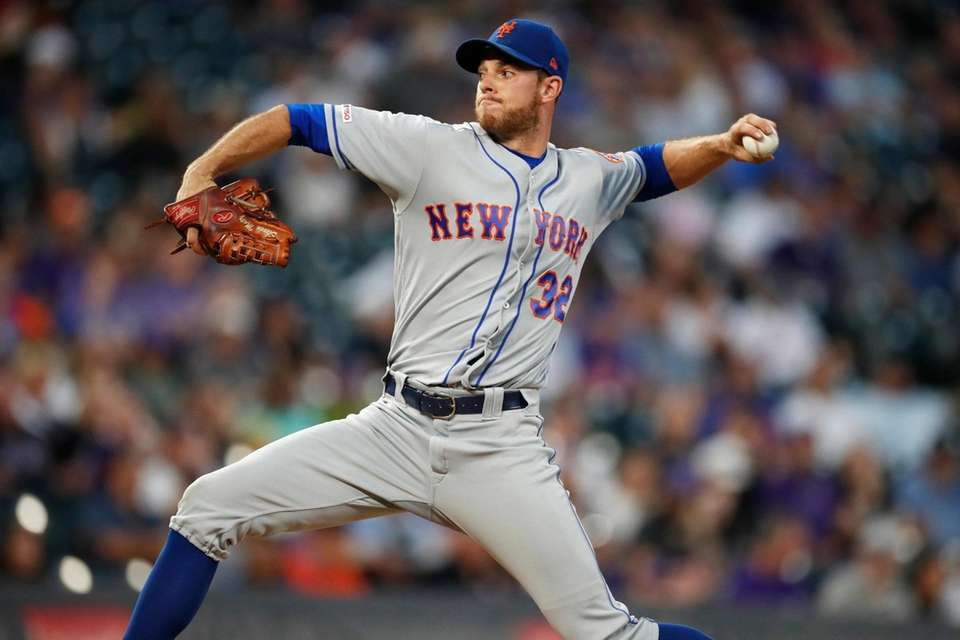 New York Mets starting pitcher Steven Matz works