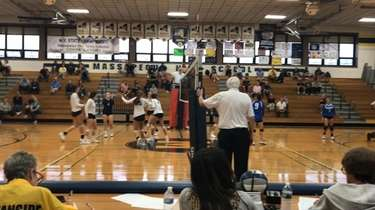Gabriella Heimbauer had 10 kills in Massapequa's 3-0