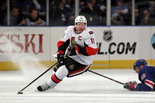Daniel Alfredsson #11 of the Ottawa Senators skates