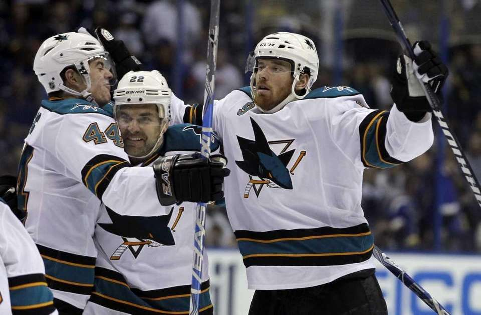 San Jose Sharks' Martin Havlat, right, of the