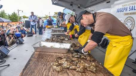 The Oyster Shucking contest at 2018 Oyster Bay