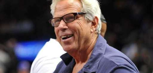 Giants chairman Steve Tisch watches the Knicks play