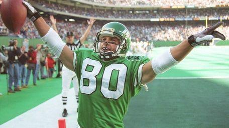 Jets wide receiver Wayne Chrebet celebrates a touchdown