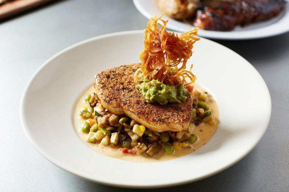 BLVD25 New American Kitchen, Manhasset: This stylish, meticulous