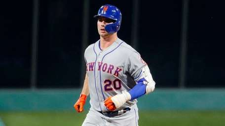 Mets rookie Pete Alonso runs the bases after