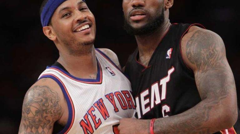 New York Knicks' Carmelo Anthony, left, and Miami