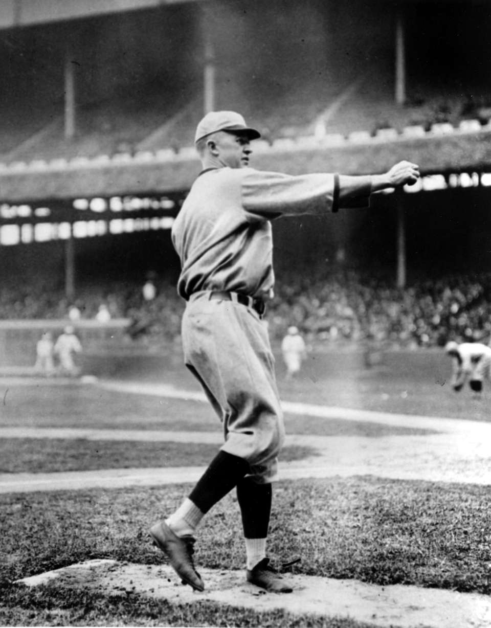 GROVER CLEVELAND ALEXANDER, RHP Career record: 373-208 ||