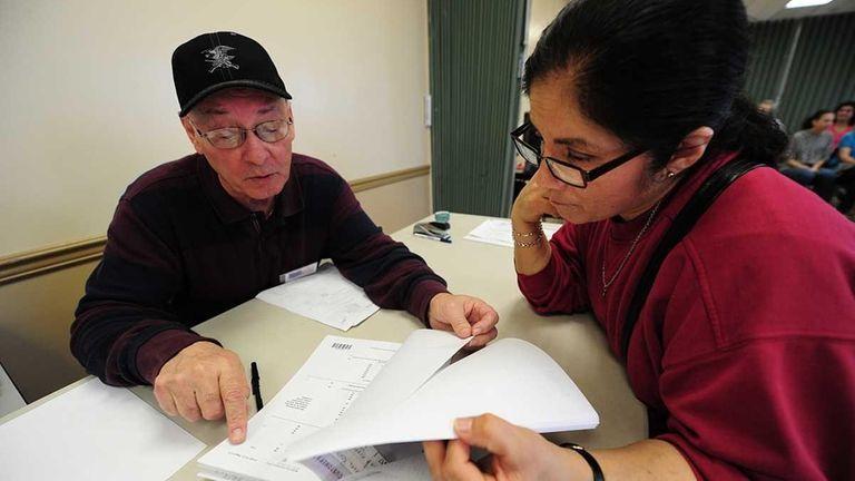 Maria Menacho files her taxes at the Freeport