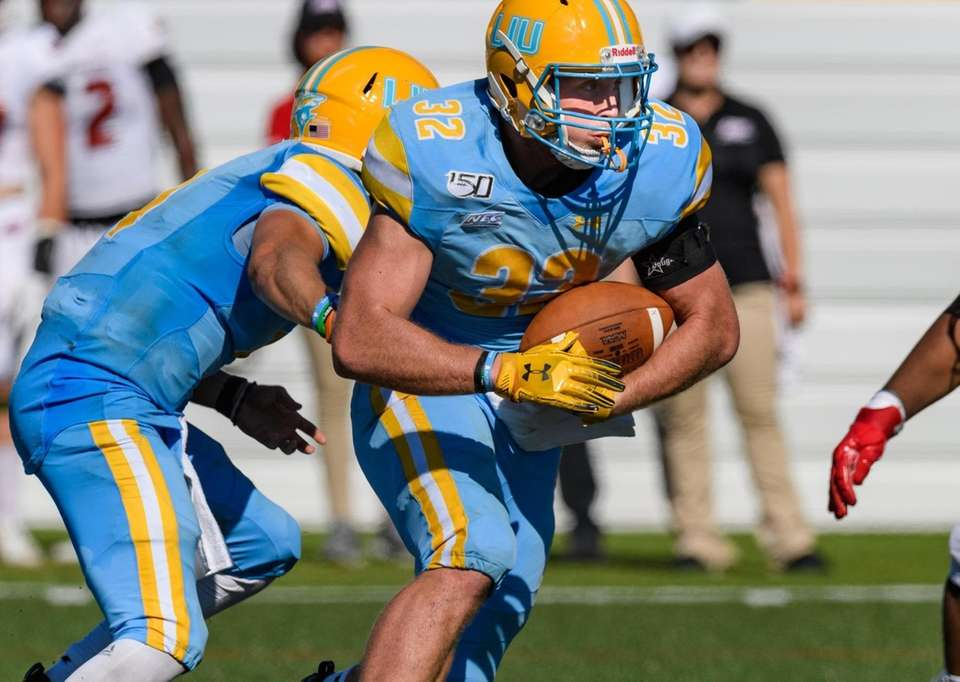 Long Island Sharks running back Tim Marinan (32)