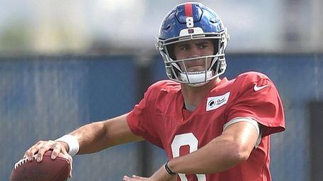 Giants quarterback Daniel Jones makes his first NFL