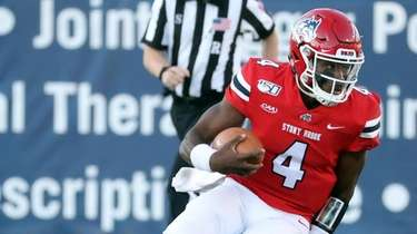 Stony Brook quarterback Tyquell Fields makes a cut