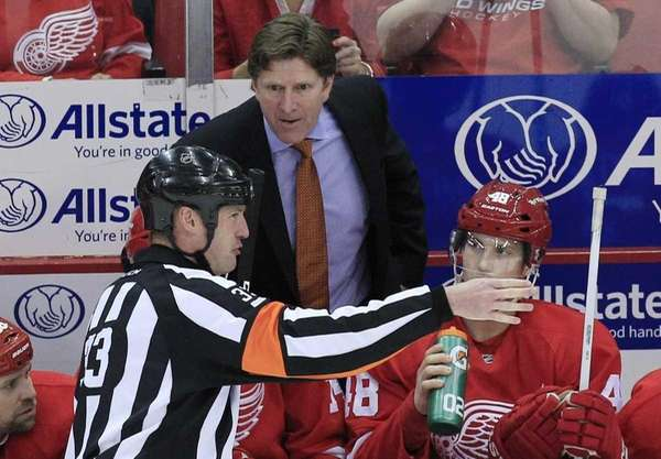Mike Babcock, here coaching the Detroit Red Wings,