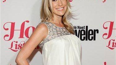 A pregnant Kristin Cavallari poses at the Conde