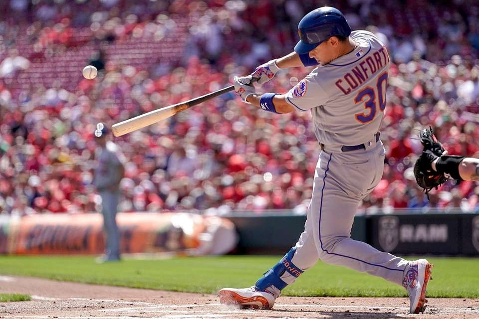 Michael Conforto of the Mets hits a 3-run